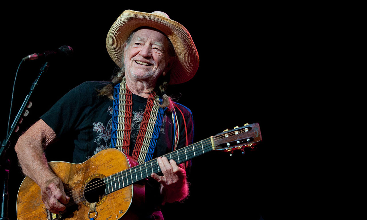 Willie nelson tour dates in Australia