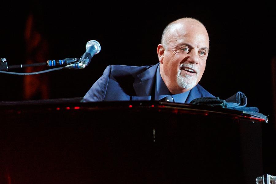 Billy Joel at Farm Bureau Live at Virginia Beach on Sat ...