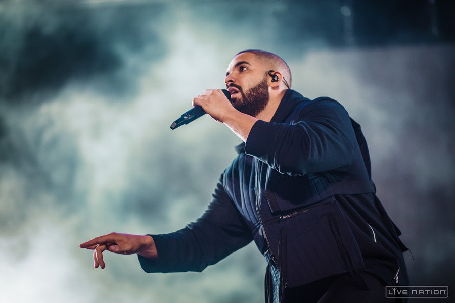 Drake Performs at Section Boyz' Show, Says He's Signed To Skepta's ...