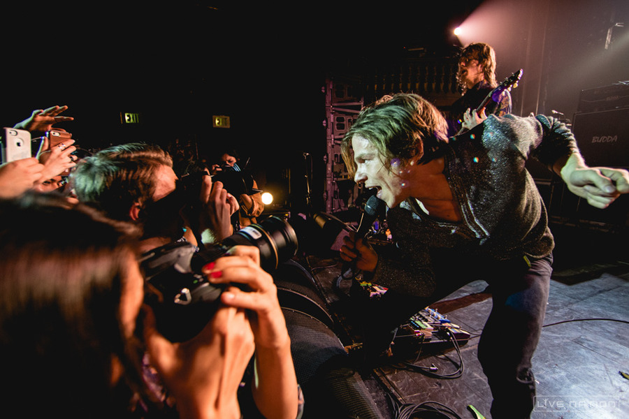 101WKQX The Nights We Stole Christmas: Cage The Elephant at Aragon ...