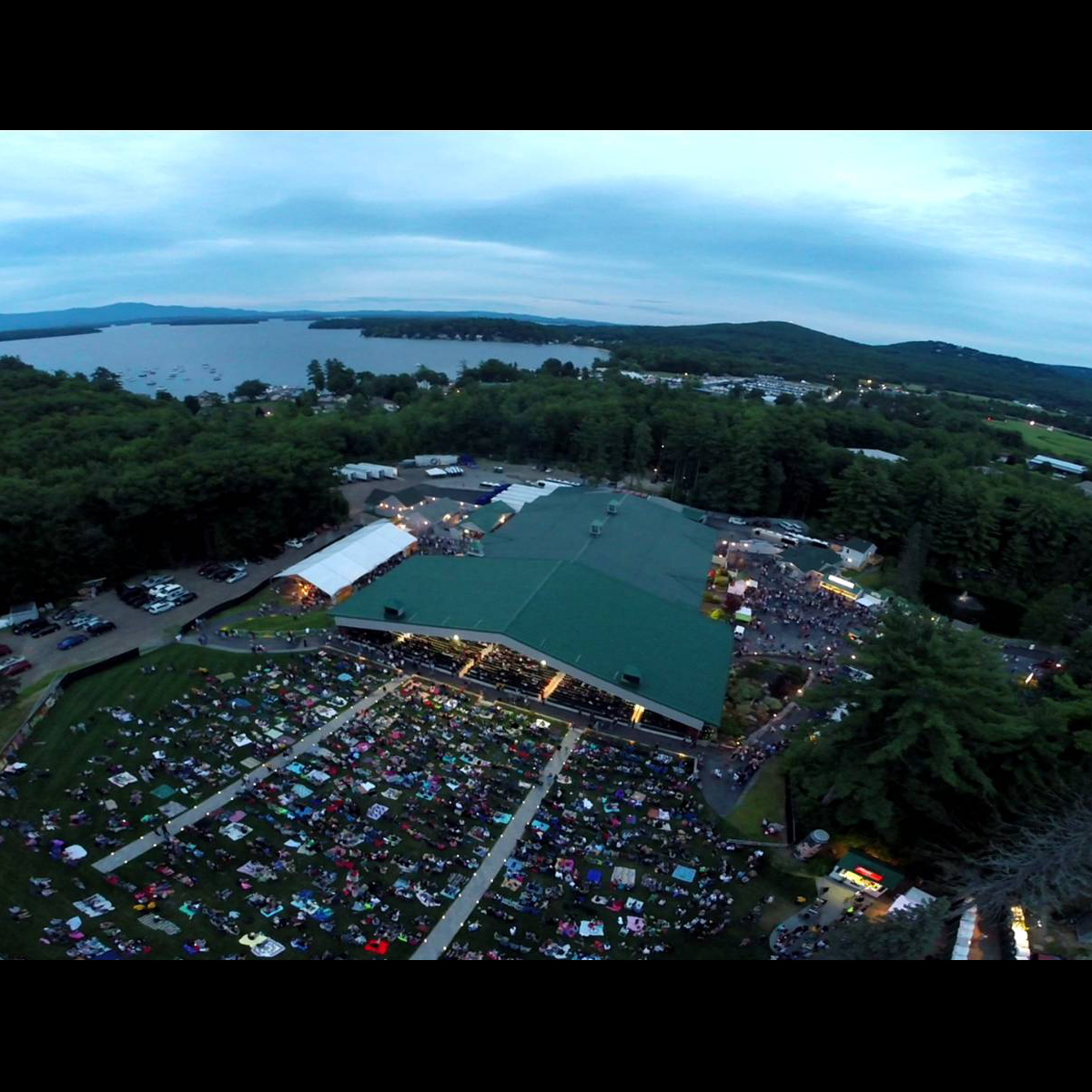 bank of new hampshire pavilion upcoming shows in gilford new hampshire live nation. Black Bedroom Furniture Sets. Home Design Ideas